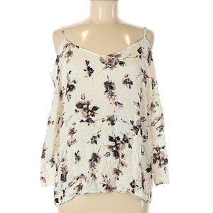 NWT Kaileigh Cold Shoulder Top